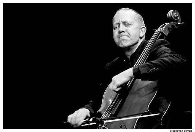 Ernst Reijseger cellist - Cees van de Veen fotograaf